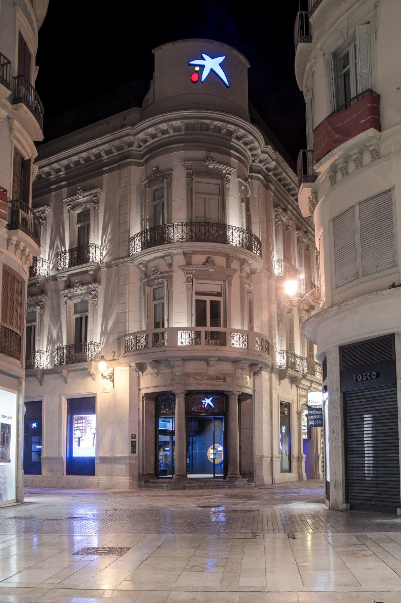 Fachada edificio singular para la Sede de Caixabank