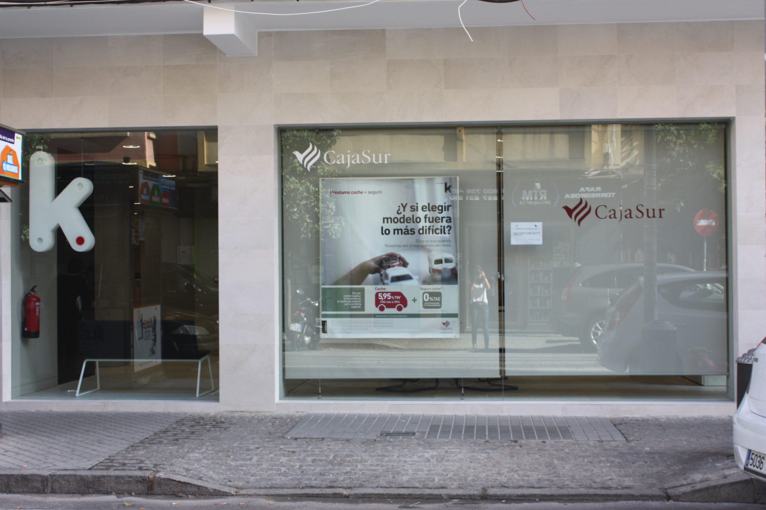 Fachada de la sucursal Cajasur-Kutxabank en Córdoba