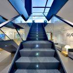 Escalera con puntos de luz para Caixabank