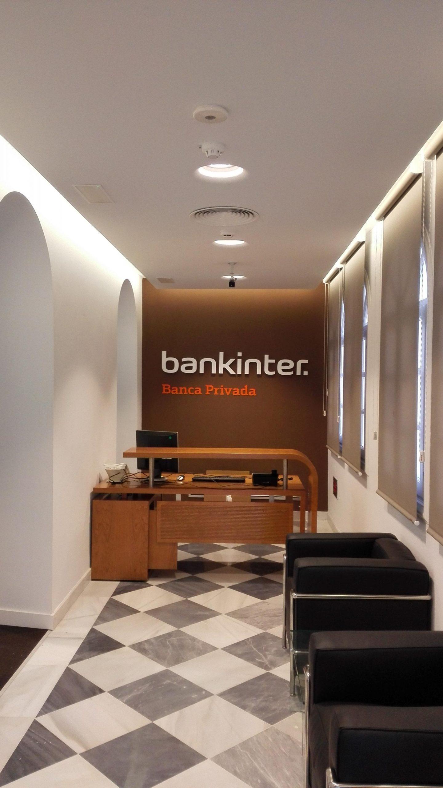 Entrada de la banca privada Bankinter en Málaga