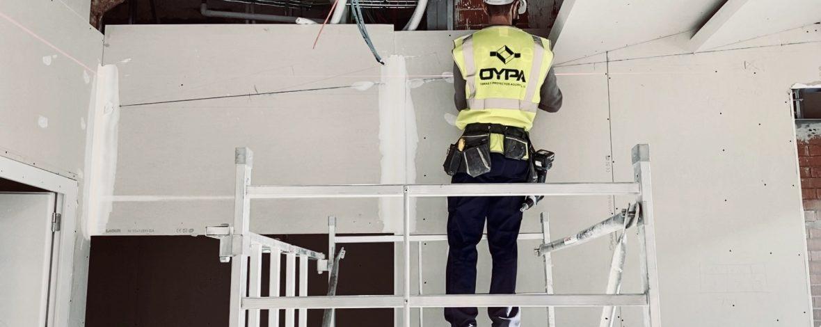 Seguridad y Salud, operario con medidas de seguridad