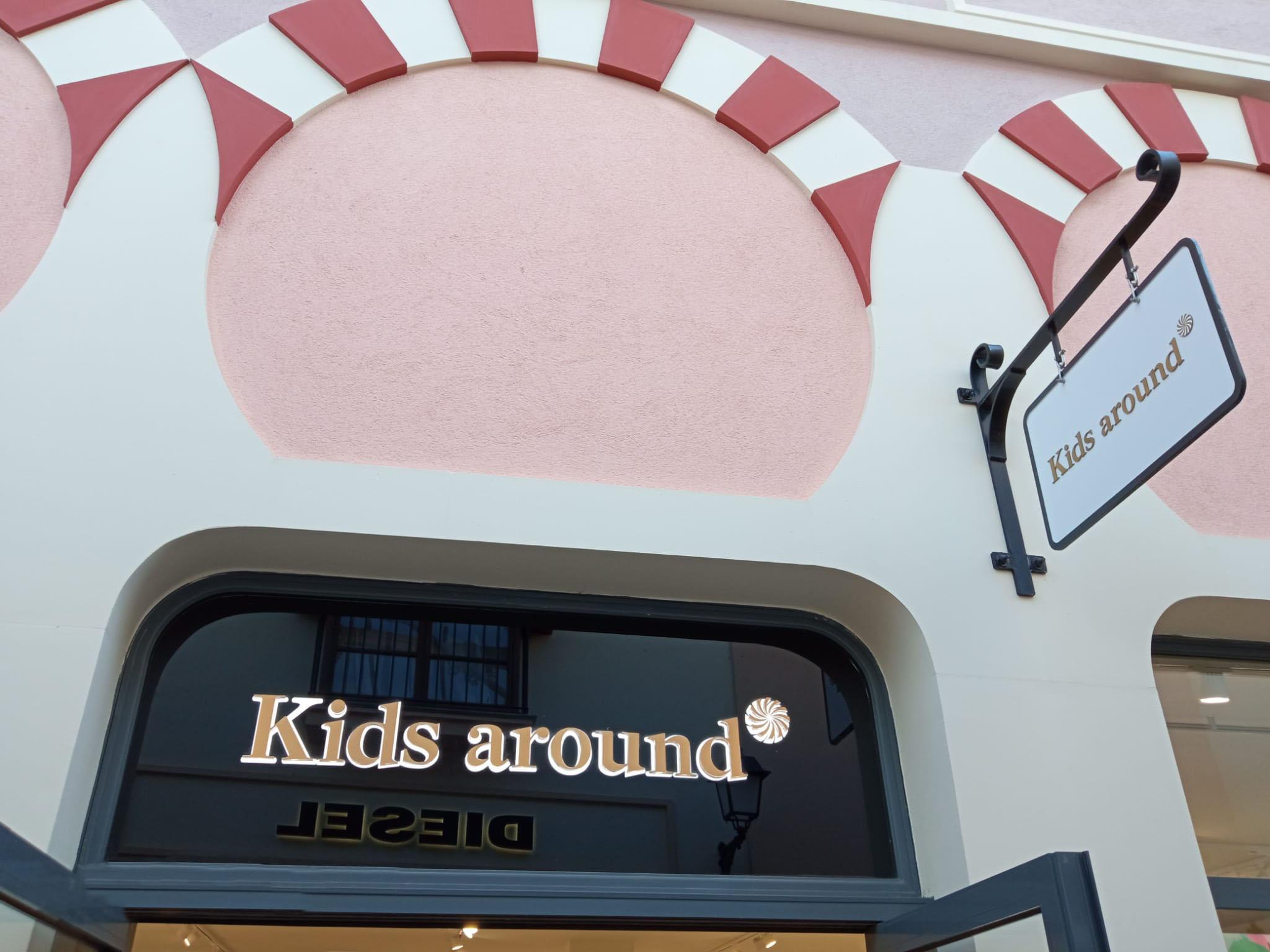 Kids Around fachada